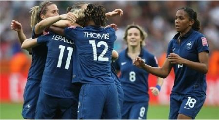 Francesas comemorando! (Foto: Divulgação FIFA)